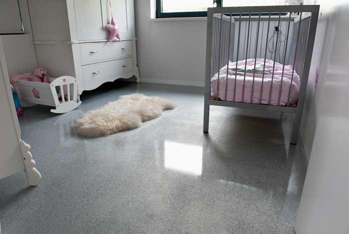 Portfolio - Kleurige baby slaapkamer  Vos Gietvloeren